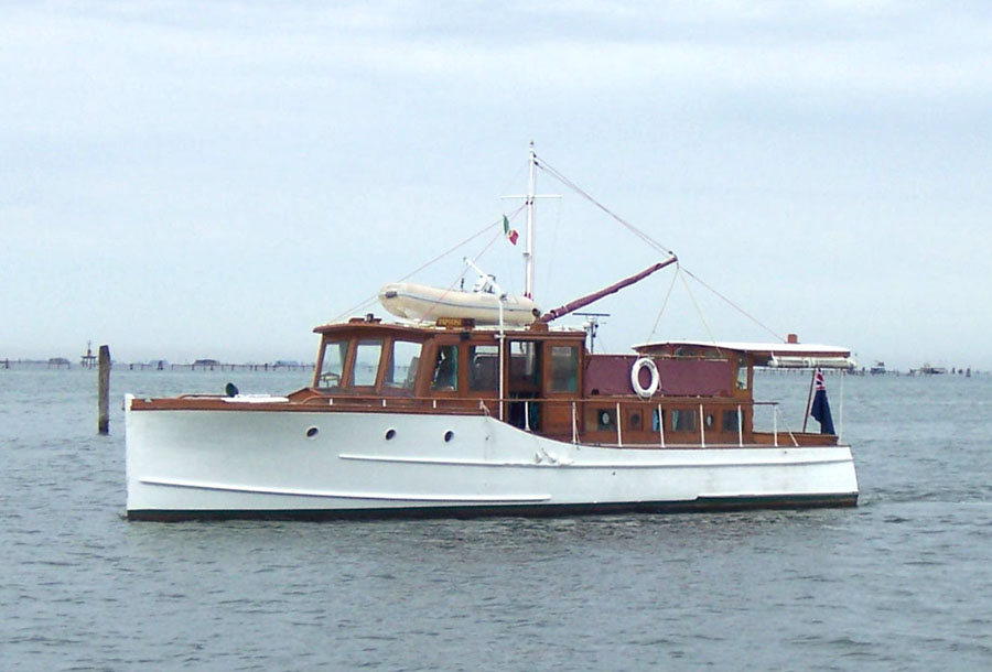 CLASSIC WOODEN MOTOR BOATS « All Boats